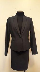 Tahari, Womans dress suit, black pin striped, 6